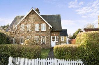 Property Results to let 11 Grosvenor Billinghurst