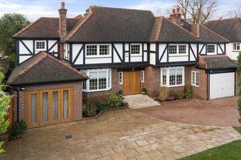Property Results to let Brook Cottage 7 Grosvenor Billinghurst
