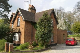 Property Results to let 2 The Lodge, 30 Grosvenor Billinghurst