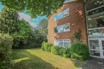 Property Results to let 5 Grosvenor Billinghurst