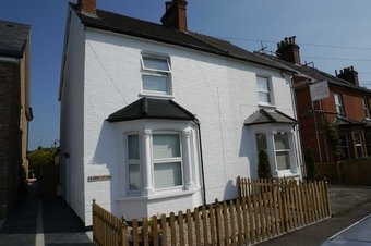 Property Results to let 6 Grove Cottages Grosvenor Billinghurst