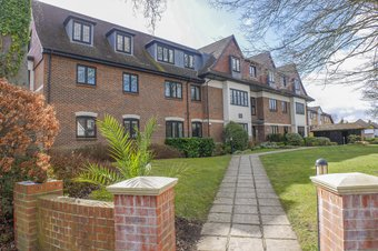 Property Results to let 1 Grosvenor Billinghurst