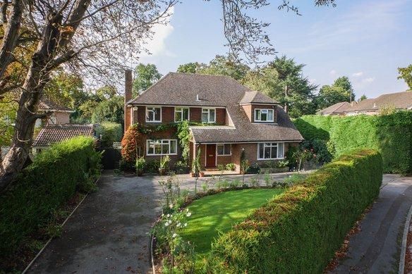 Similar Properties Ashcroft Park, CobhamGrosvenor Billinghurst