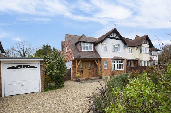 Latest Properties Blundel Lane, Cobham Grosvenor Billinghurst