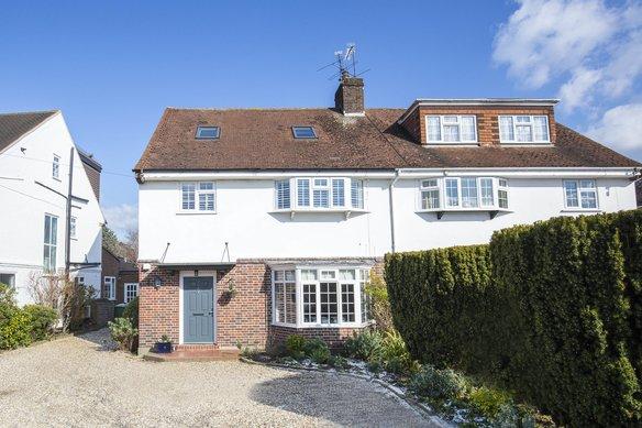 Similar Properties Bray Road, CobhamGrosvenor Billinghurst