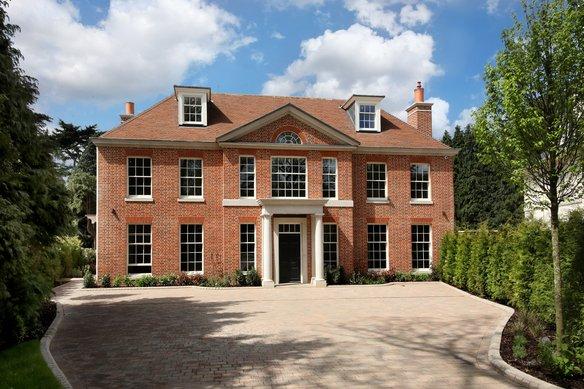 Similar Properties Eaton Park, CobhamGrosvenor Billinghurst