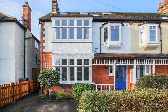 Latest Properties Hare Lane, Claygate Grosvenor Billinghurst