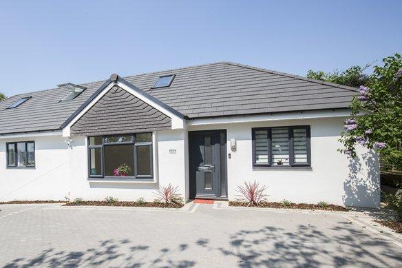 Similar Properties Hogshill Lane, CobhamGrosvenor Billinghurst