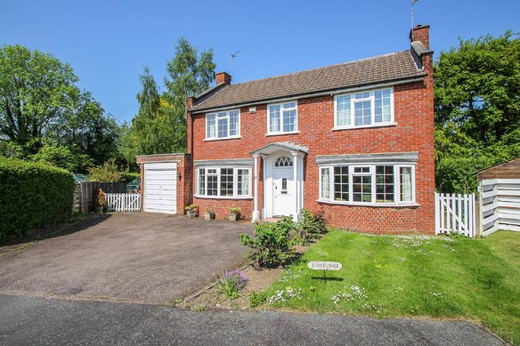 Latest Properties Homestead Gardens, Claygate Grosvenor Billinghurst