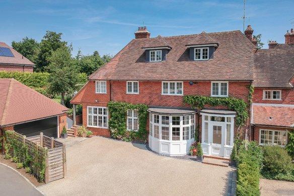 Similar Properties Leigh Hill Road, CobhamGrosvenor Billinghurst