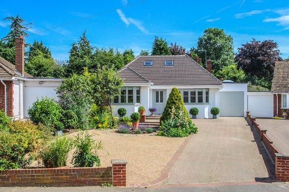 Similar Properties Lower Wood Road, ClaygateGrosvenor Billinghurst