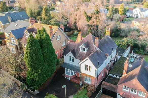 Latest Properties Milbourne Lane, Esher Grosvenor Billinghurst
