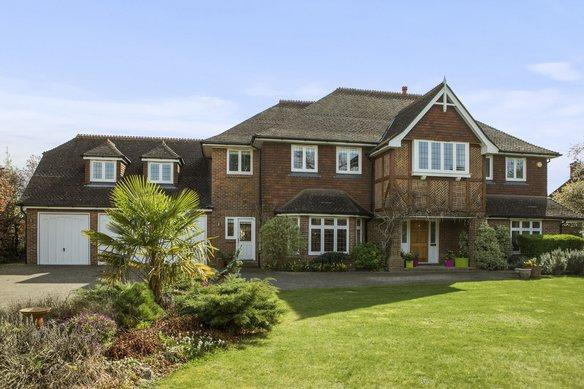 Similar Properties Oxshott Rise, CobhamGrosvenor Billinghurst