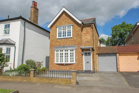 Similar Properties Portsmouth Road, Thames DittonGrosvenor Billinghurst