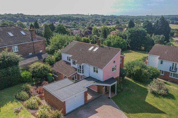 Latest Properties Queen Anne Drive, Claygate Grosvenor Billinghurst