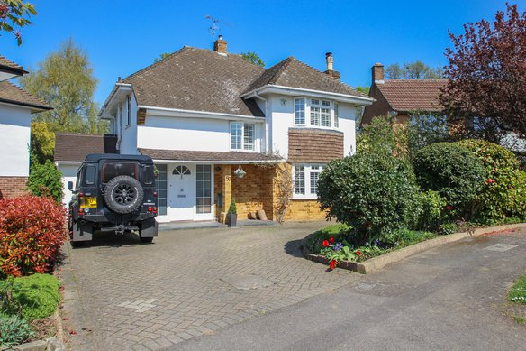 Similar Properties Severn Drive, Hinchley WoodGrosvenor Billinghurst