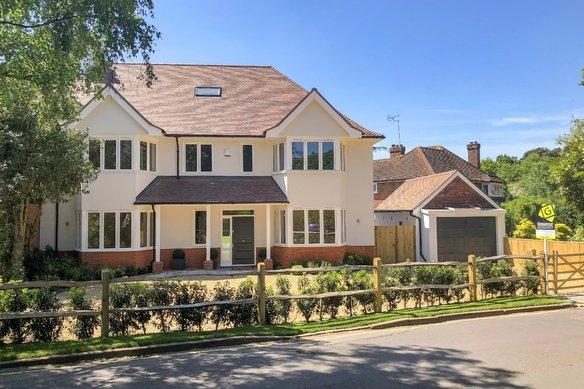 Similar Properties Sheath Lane, OxshottGrosvenor Billinghurst