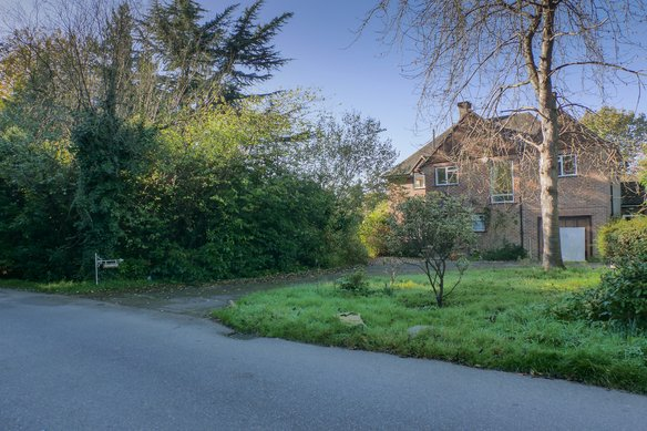 Similar Properties The Chase, OxshottGrosvenor Billinghurst