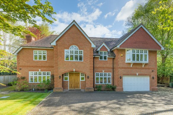 Similar Properties The Drive, CobhamGrosvenor Billinghurst