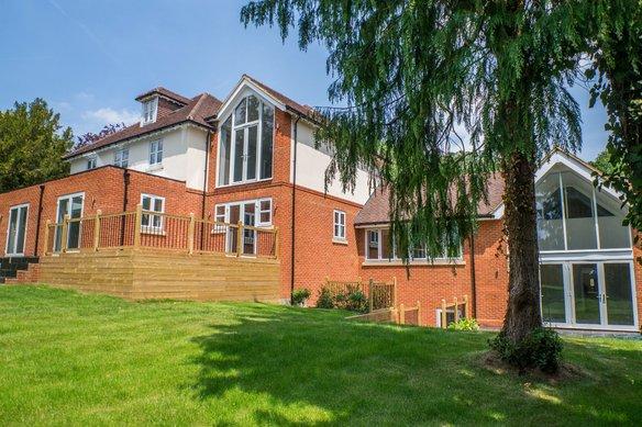 Similar Properties Wren's Hill, OxshottGrosvenor Billinghurst