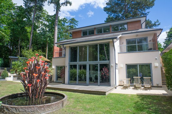 Similar Properties  3 Woodland Drive, CobhamGrosvenor Billinghurst