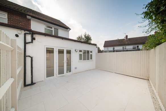 Similar Properties 5A Winston Drive, CobhamGrosvenor Billinghurst
