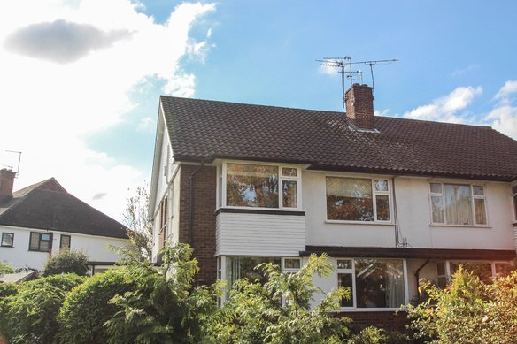 Similar Properties Albany Crescent, ClaygateGrosvenor Billinghurst