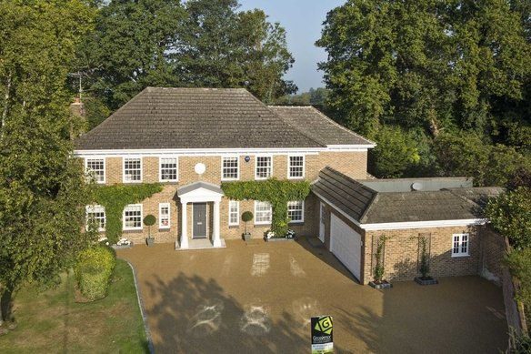 Similar Properties Burleigh Park, CobhamGrosvenor Billinghurst