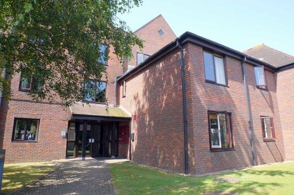 Similar Properties Cobham Gate, CobhamGrosvenor Billinghurst