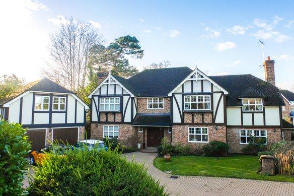 Similar Properties Fairmile Lane, CobhamGrosvenor Billinghurst