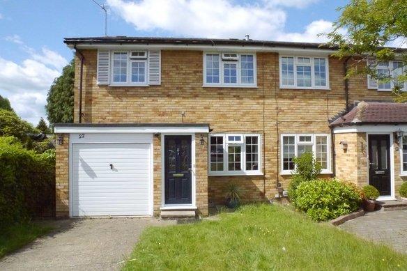 Similar Properties Four Wents, CobhamGrosvenor Billinghurst
