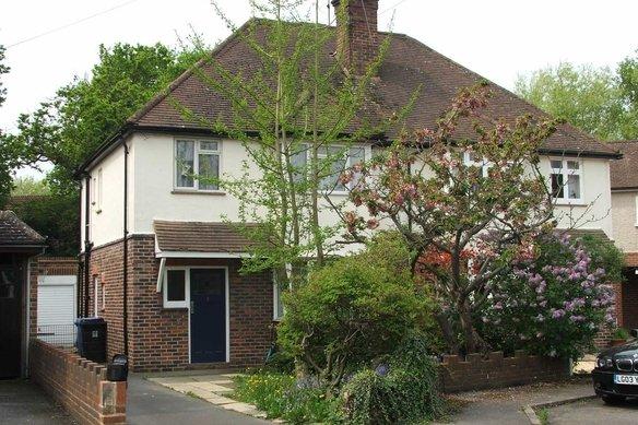 Similar Properties Harelands Close, WokingGrosvenor Billinghurst