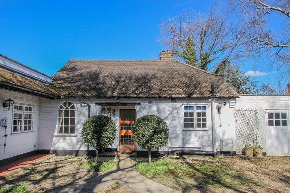 Latest Properties Lower Green Road, Esher Grosvenor Billinghurst