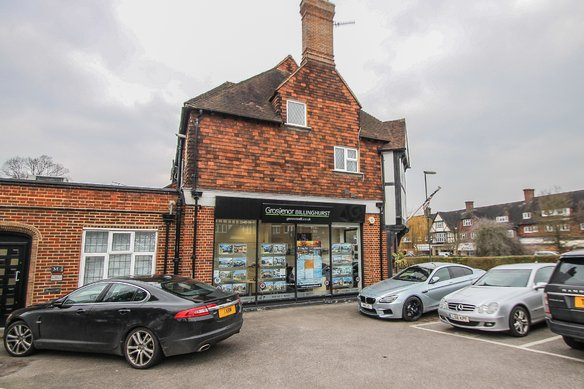 Latest Properties Manor Road North, Hinchley Wood Grosvenor Billinghurst