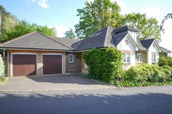 Latest Properties Old Oak Close, Cobham Grosvenor Billinghurst