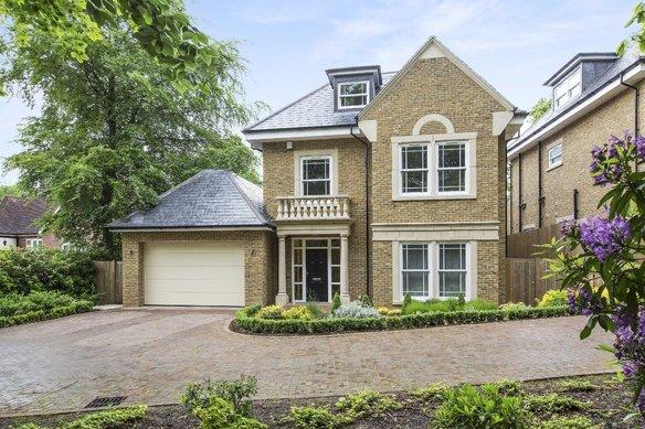 Similar Properties Sandy Lane, CobhamGrosvenor Billinghurst