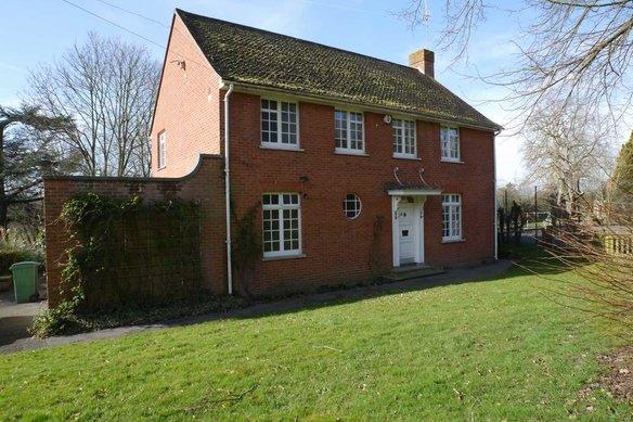 Similar Properties Stoke Road, CobhamGrosvenor Billinghurst